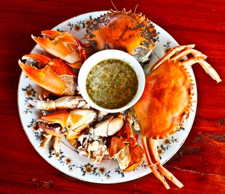 crab meat: steamed crab with spicy seafood sauce in Thai style