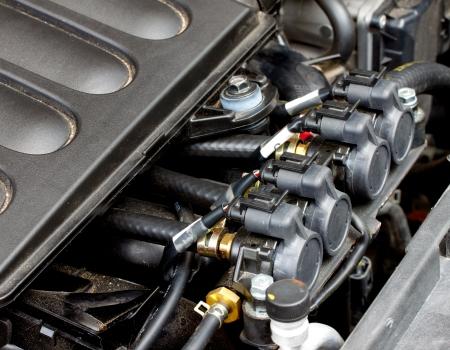 l p g: GLP inyector instalado en el motor de gasolina
