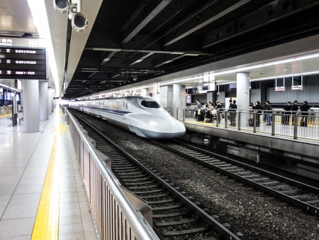 bullet train: Japan high speed train or Shinkansen at a station in Tokyo, Japan