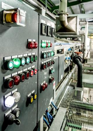 redes electricas: panel de control eléctrico en la planta industrial Foto de archivo