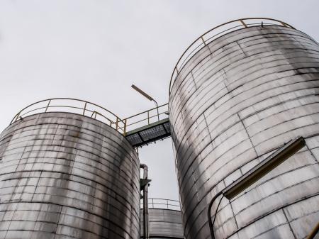 storage tank: storage tanks in oil refinery