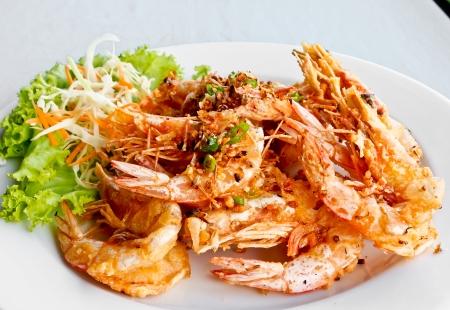Thai food, fried prawns with chili and garlic Standard-Bild