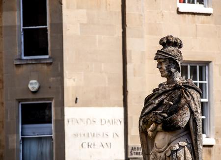 escultura romana: escultura romana en el ba�o romano, Somerset, Reino Unido