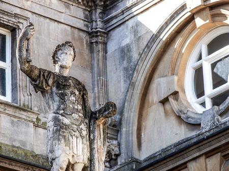 escultura romana: La escultura romana en el ba�o sitio hist�rico, Somerset, Reino Unido Foto de archivo