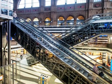 modern architecture: escalator in Zurich main station