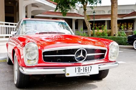 2011년 12월 17일에 피아트 억센 509, 소피텔 리조트 빈티지 자동차 퍼레이드 2011 레트로 자동차 : 2010 년 12 월 17 일 - 후아힌, 태국