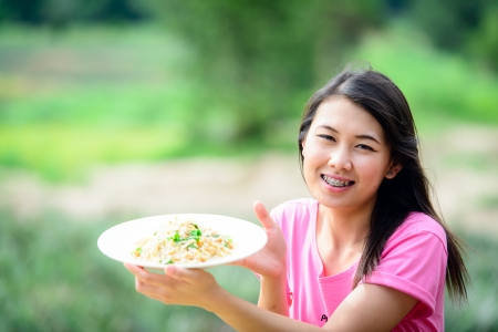 caf: Beautiful Girl present fried rice
