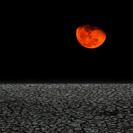 desierto: Tierra de sequ�a contra la luna oscura