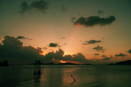 emphasize: Want to emphasize the inherent beauty of the sun during sunrise and sunset. Stock Photo