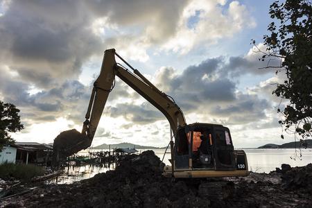 Excavator operator downtime waiting