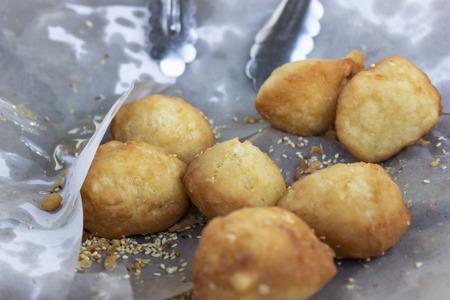 Fry the oil. Eat as breakfast with hot porridge or drinks.