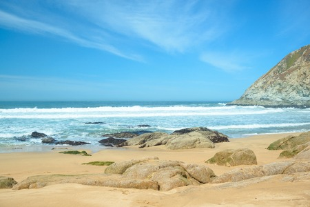 Beautiful beach and waves in the ocean 版權商用圖片
