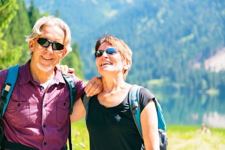 Active Senior Couple Zdjęcie Seryjne - 70368847