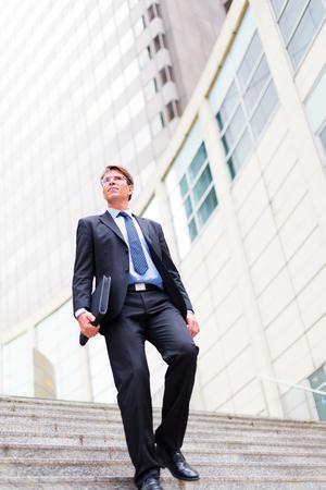 bajando escaleras: El hombre de negocios en Frankfurt