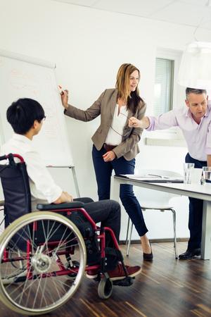 Business Team avoir une réunion Banque d'images - 70671292