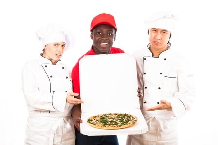 disapprove: Chefs Disapprove Of Pizza Sevice