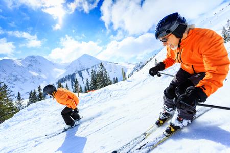 Senior Couple Skiing Stockfoto