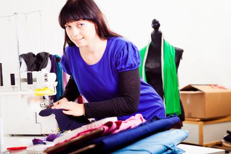 Fashion Designer In Her Studio Zdjęcie Seryjne