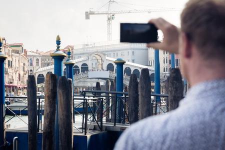 Tourist To Venice Taking Pictures Zdjęcie Seryjne