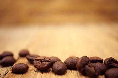 コーヒー豆とぼかし新聞バック グラウンド コーヒー