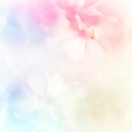 Vívida de flores rosas de color en el estilo suave y la falta de definición en la textura de papel de morera Foto de archivo - 43983406