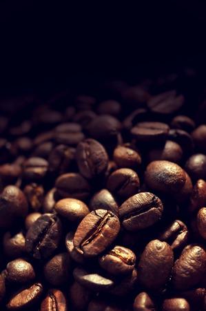 コーヒー豆の焙煎の背景 写真素材