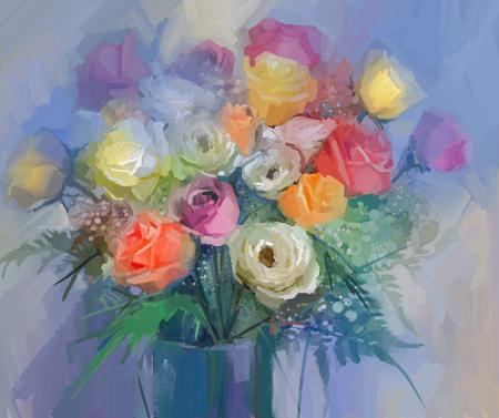 Natura morta un mazzo di fiori. Fiori rossi e gialli della pittura a olio della rosa in vaso. Floreale dipinto a mano in colori tenui e sfondo sfocato blu
