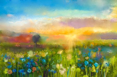 paisajes: Petróleo flores pintura diente de león, aciano, margarita en campos. Sunset paisaje prado con flores silvestres, la colina y el cielo de color naranja y azul de fondo de color. Mano de pintura verano estilo impresionista floral