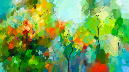 Abstrakte bunte Ölgemäldelandschaft auf Segeltuch. Halb abstrakt vom Baum im Wald. Grün und Rot verlässt mit blauem Himmel. Frühling, Sommersaison-Naturhintergrund. Handgemalter impressionistischer Stil