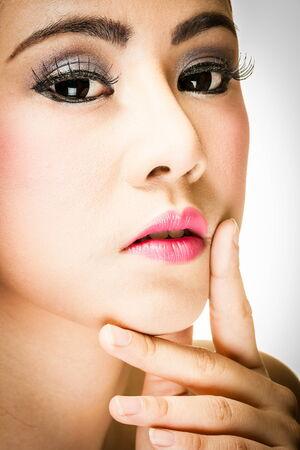 Gesicht der Frau sucht Schönheit Gesicht Standard-Bild - 33794379