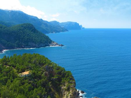 paisaje mediterraneo: house in coastal mediterranean landscape with overlook over the sea