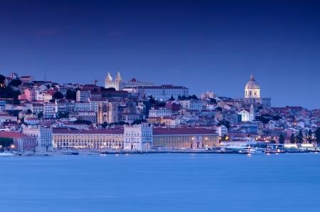 les plus: Lisbonne au coucher du soleil pr�sente les couleurs les plus impressionnantes