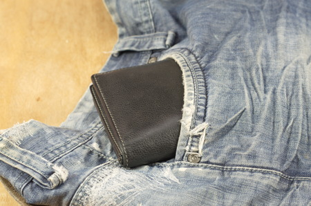 durable: Fashion jeans, beautiful and durable, suitable for all ages.