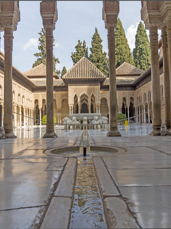the  alhambra: COURT OF THE ALHAMBRA LIONS