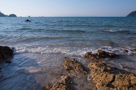 beautiful scene, tropical sea and beach with blue sky background Stockfoto