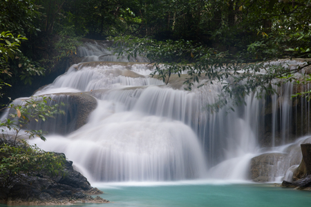 Beautiful waterfall - Erawan waterfall at Erawan National Park in Kanchanaburi, Thailand. Stockfoto - 119504949