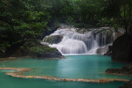 Beautiful waterfall - Erawan waterfall at Erawan National Park in Kanchanaburi, Thailand. Stockfoto - 119505247