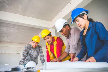 Engineer meeting on site