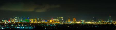 Panoramic Las Vegas Strip cityscape at night. 스톡 콘텐츠