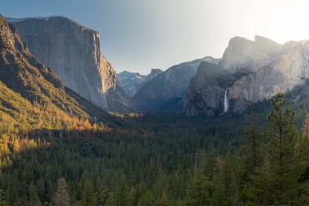 tunnel view: In the morning at the Tunnel View point of Yosemite Natinal Park Stock Photo