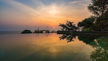 sunrise reflection Zdjęcie Seryjne