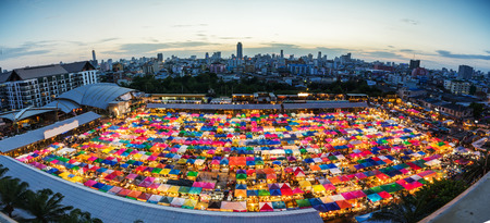Night market in Bangkok, second hand shopping