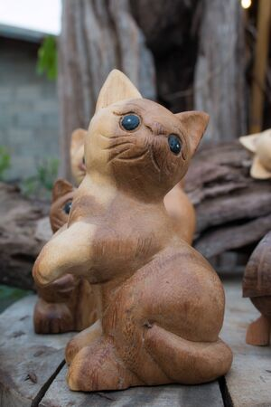 shop for animals: Beautiful wooden carved turtles , cats, birds .