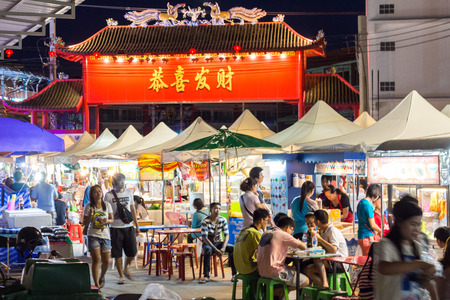 peoples: BANGKOK - august 24 : Many peoples at Sampeng  2 night street august 24, 2014  in Bangkok Thailand
