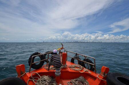mariner: boat on the sea