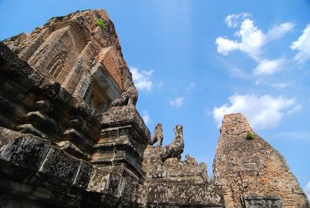 sacrificio: Stupa de piedra de sacrificio que Dios en Siem Reap, Camboya Foto de archivo