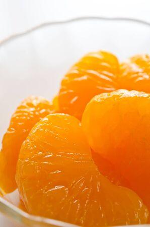 in syrup: jarabe de mandarina Foto de archivo