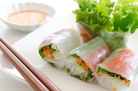 Raw spring rolls 版權商用圖片
