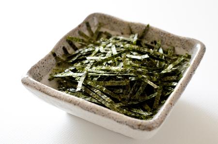 Shredded dried laver