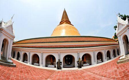 Wat Phra Pathom Chedi in Thailand Stock Photo - 14511725